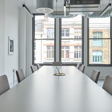 Office space in Room 2, 123 Curtain Road