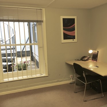 Office space in Clifton House, 10 Poole Hill