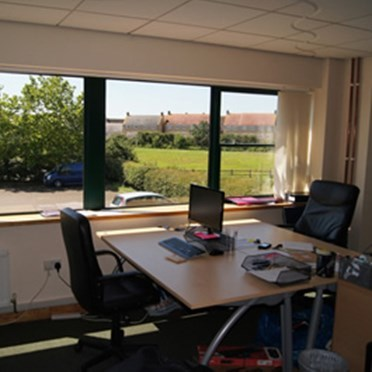 Office space in Carlton Business Centre Maundrell Road