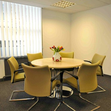 Office space in Clifton Business Centre, Somerset House, 18 Canynge Road