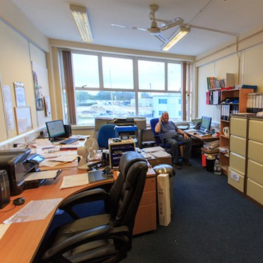 Office space in Pembroke Centre Cheney Manor Estate