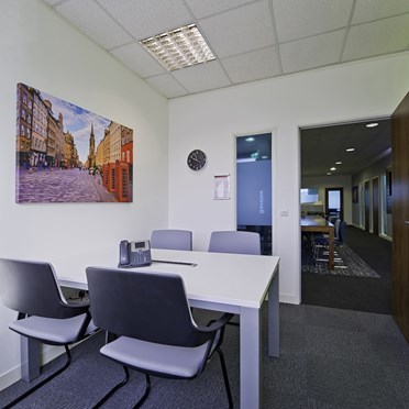 Office space in 30 Fleming House Fort Kinnaird Retail Park