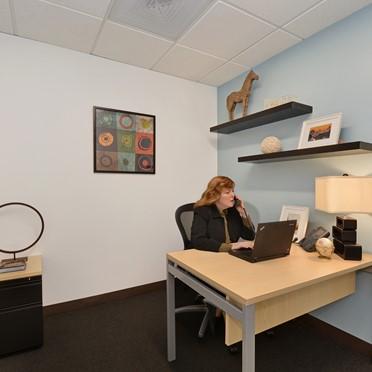 Office space in 100, 37th Floor King Street West