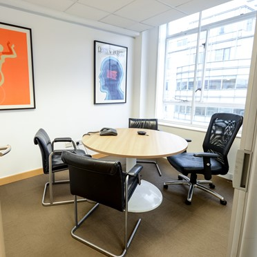 Office space in Fleet House, 8-12 New Bridge Street