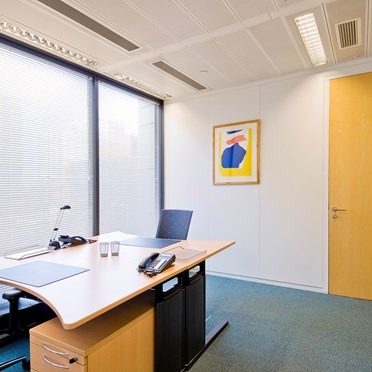 Office space in Direct 2 Roway Lane