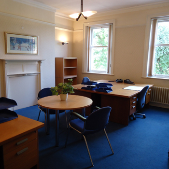 Office space in Vicarage Chambers, 9 Park Square East