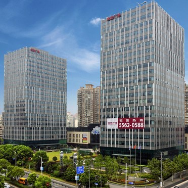 Office space in 16/F, Tower B, Baoland Plaza, No. 688 Dalian Road