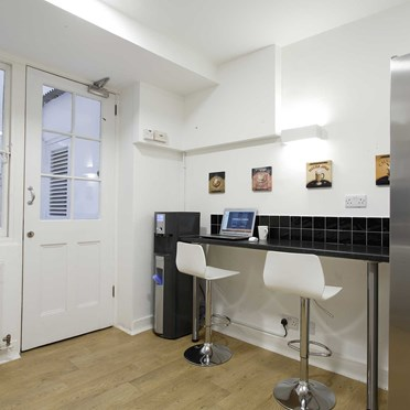 Office space in 32 Tavistock Street