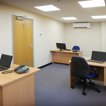 Office space in Easistore Longfield Road