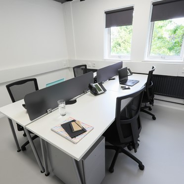 Office space in 470 Bath Road