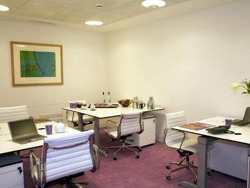 Office space in 64 Knightsbridge